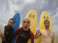 Preparados para hacer surf en Zahara