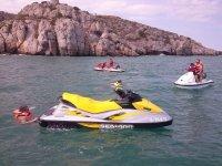 Motos de agua en los acantilados de Castellon