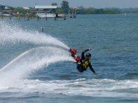 Cayendo al mar
