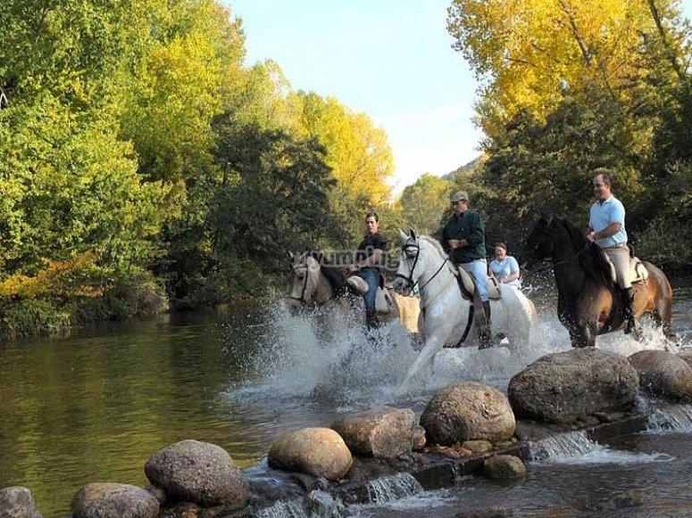 En caballo hacia la Sierra de Demanda