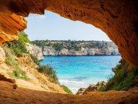 Cueva en el parque de Cabrera