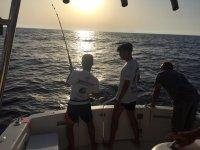 Pescando al atardecer en Cala DOr