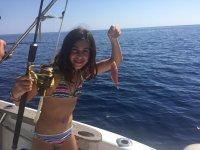 Joven pescadora