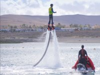 En vertical en la tabla de flyboard