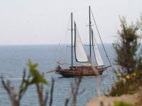 对阵巴塞罗那戈利塔卡里阿斯在加泰罗尼亚海岸