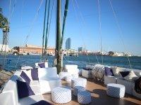 冷静下来在巴塞罗那的帆船