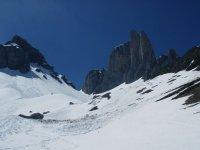 Macizos rocosos nevados