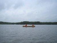 Dos personas en la misma canoa