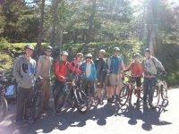 Giovani con bici