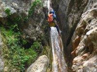 Descenso en la cascada