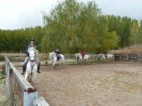 En la clase de equitacion