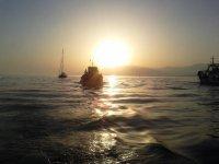 Cours au coucher du soleil
