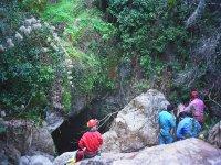 Bajada a la cueva