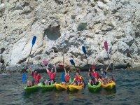 Ruta de kayak con amigos