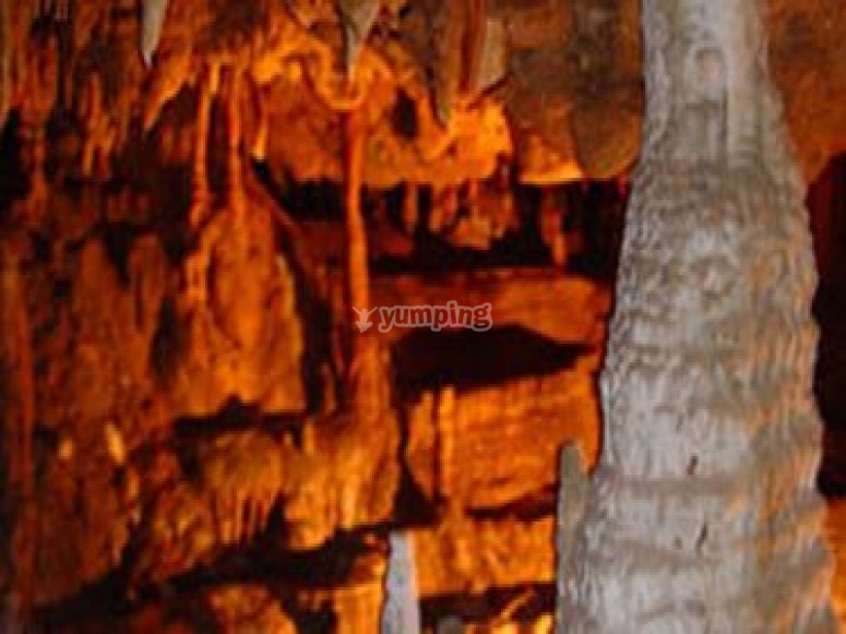 Cueva para hacer espeleología