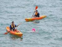 Paseo en kayak en la costa