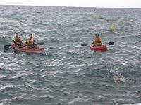Departure in two kayaks in the Mediterranean