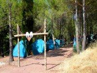 Entrada al campamento