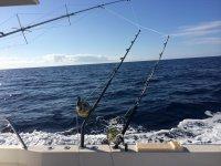 Carretes de pesca en el barco