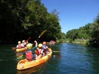 Navegando en las canoas