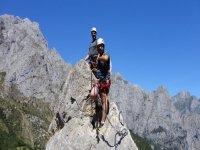 向导式攀岩在坎塔布里亚