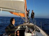 学习航行帆船学校
