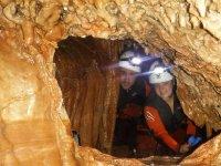 Pareja en la cueva