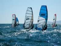 windsurfing in groups