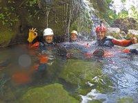 Barranquistas en el agua