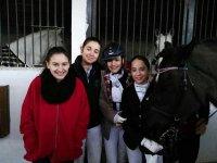 Ninas con los caballos