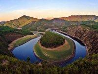 Las Hurdes et la rivière
