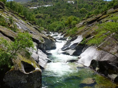 Tour en 4x4 cascadas de Garganta Los Infiernos 4h