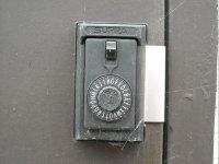 Caja de seguridad con codigo alfabetico