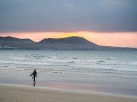 Pasa unos días haciendo surf en Lanzarote
