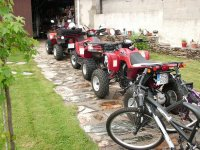 我们的四轮摩托车车队