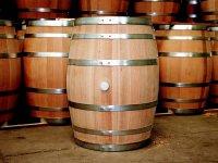 Barriles para almacenar el vino