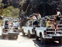 subidos a los jeeps