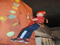 Joven escalador