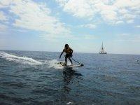 Controlando la postura en el surf motorizado