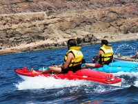 Kayaks con motor en paralelo