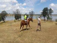 Nino montando a caballo en Andalucia