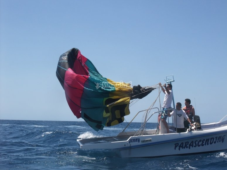 Setting the parasail wing