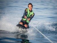 LOGO航海基地膝板桨冲浪