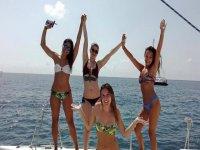 Chicas en alta mar
