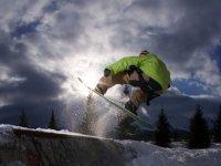 Snowboarding, free style