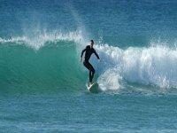 在Tarifa练习冲浪