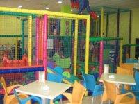 Zona de cafetería para papás