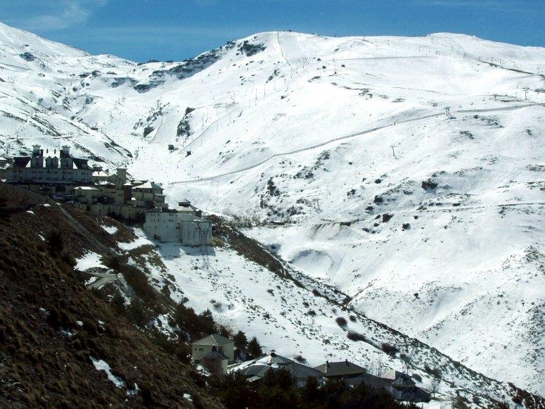 Sierra Nevada en plena temporada de invierno