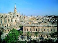 La Catedral y el Archivo de Indias