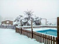 Nieve sobre la piscina